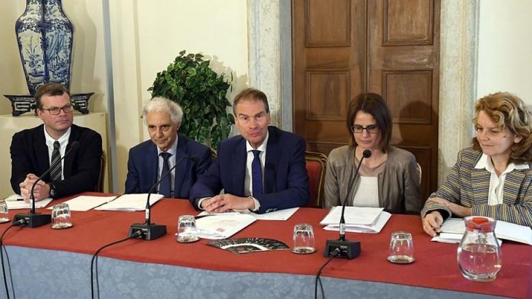 Da manciampa: Edith Ploner (pert ladina), Laura Polonioli (pert taliana) y Christian Tschurtschenthaler (pert todescia)